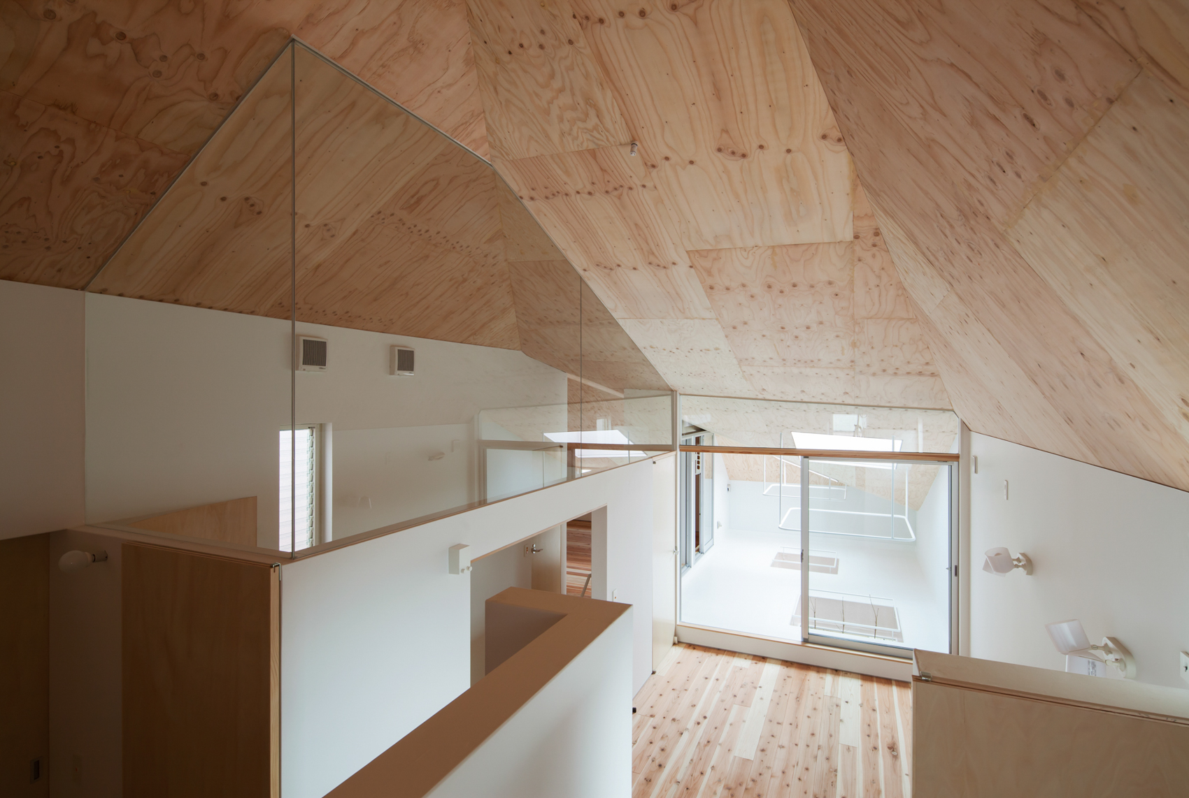 設計:y+M design office